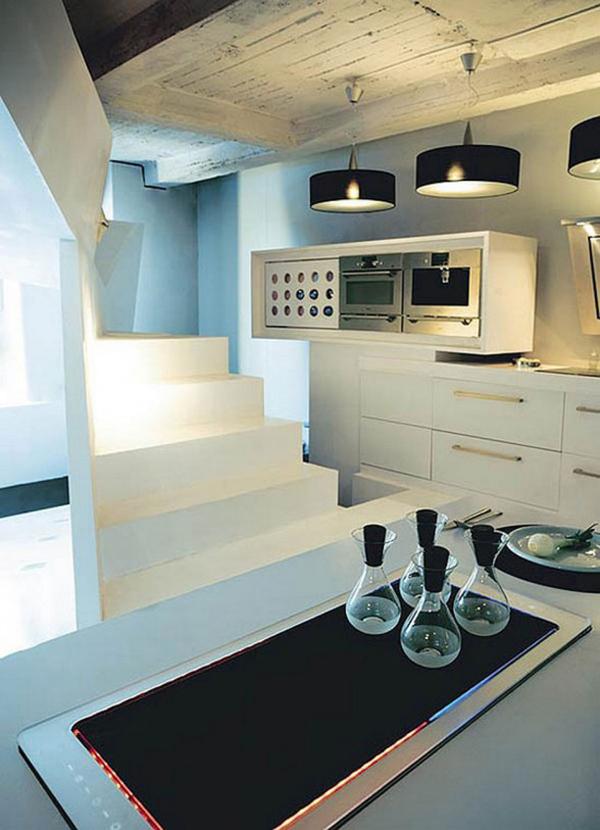 kleines designer apartment küchenarbeitsplatte treppe