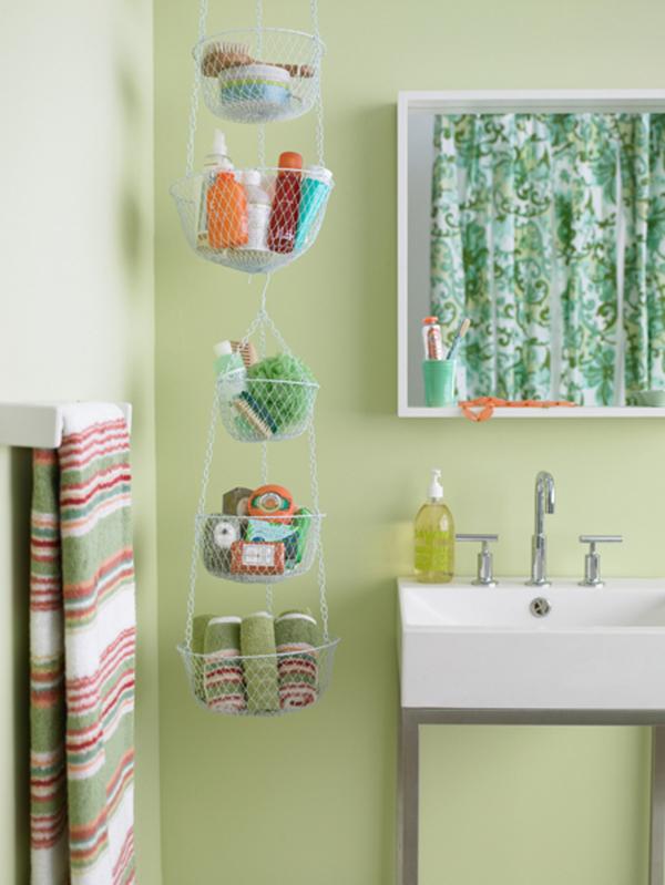 kreative badezimmer gestaltung aufbewahren hängen grün wand