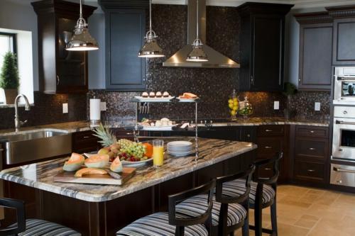 kreative küchen designs dunkles ambiente mosaik fliesen küchenrückwand