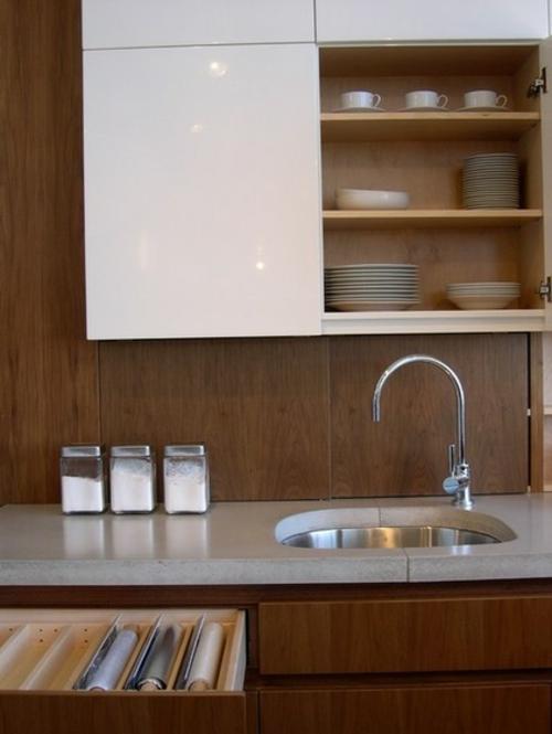 kreative küchen designs holz wand gestaltung oberschrank regale teller