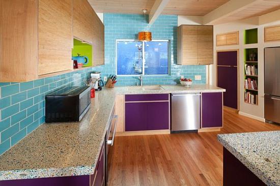 Lila Farbpalette In Der Küche Glanzvoll Blau Küchenfliesen Attraktiv Holz  Bodenbelag