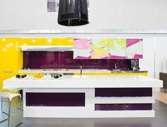 lila farbpalette in der küche glanzvoll hell gelb design