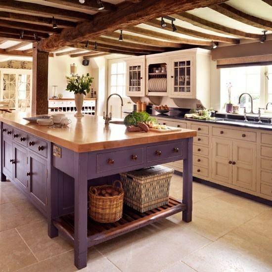 lila farbpalette in der küche glanzvoll kücheninsel rustikal design