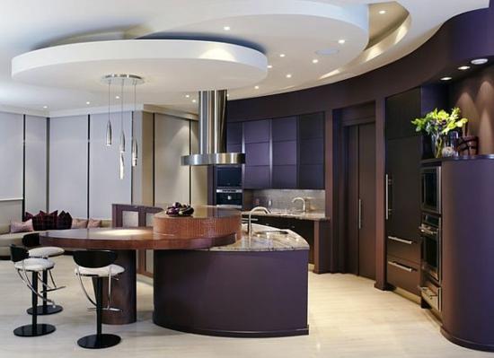 lila farbpalette in der küche glanzvoll pendelleuchten dunkel