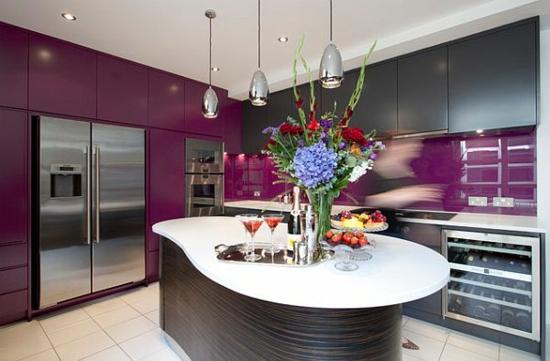 Attraktiv Lila Farbpalette In Der Küche Insel Hängelampen Purpurrot
