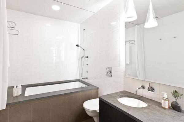badezimmer dusche und badewanne badewanne zur dusche umbauen. Black Bedroom Furniture Sets. Home Design Ideas