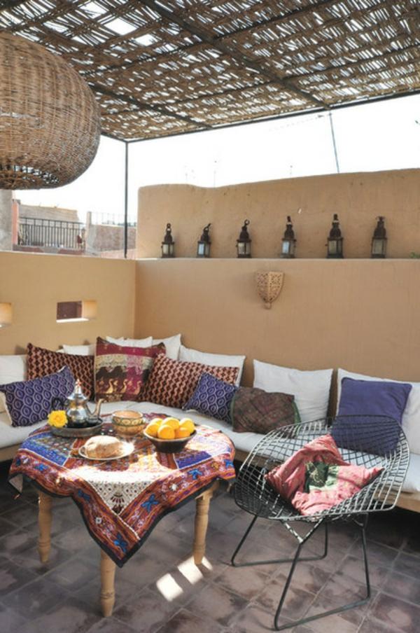 lounge terrasse wie im boutique hotel im orientalischen stil lehmwände bunte farben
