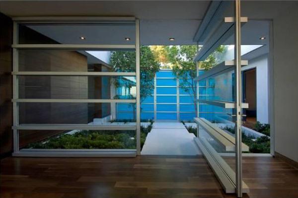 luxus single wohnung außenbereich regal  durchsichtig