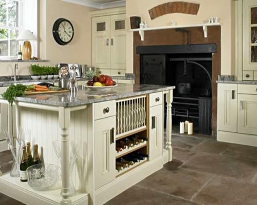 marmor-arbeitsplatte-küche-weiß-holz-möbel-kücheninsel