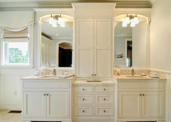 mehr stauraum im badezimmer eleganter eingebauter schrank zwischen den becken
