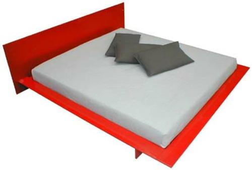 modernes bett im schlafzimmer gestell matratze minimalistisch