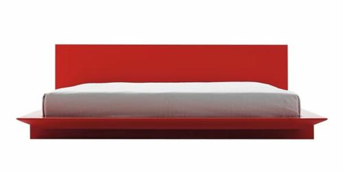 modernes bett im schlafzimmer gestell rot glanzvoll