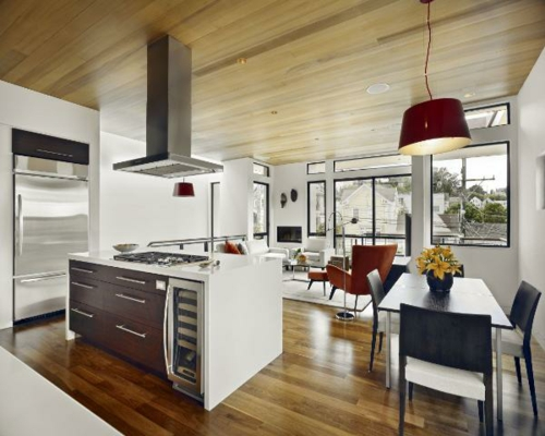 modern-küche-aktuell-design-arbeitsplatten-essbereich-hängelampe-rot