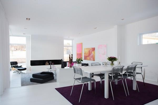 moderne schwedische villa weiß wand esszimmer tisch stuhl
