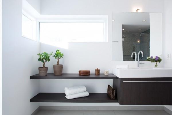 Moderne schwedische villa von thomas eriksson for Waschbecken bad modern