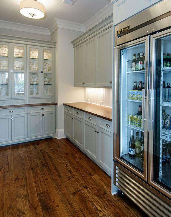 moderner kühlschrank mit glastür bodenbelag holz weiß möbel