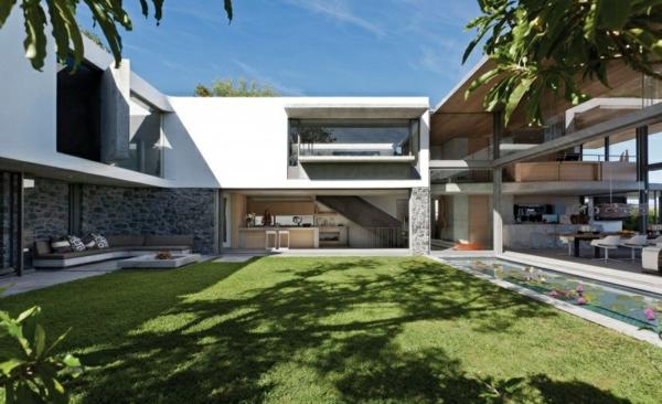 opulente moderne residenz gras baum schatten hof