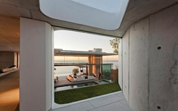 opulente moderne residenz gras beton fliesen wand rau