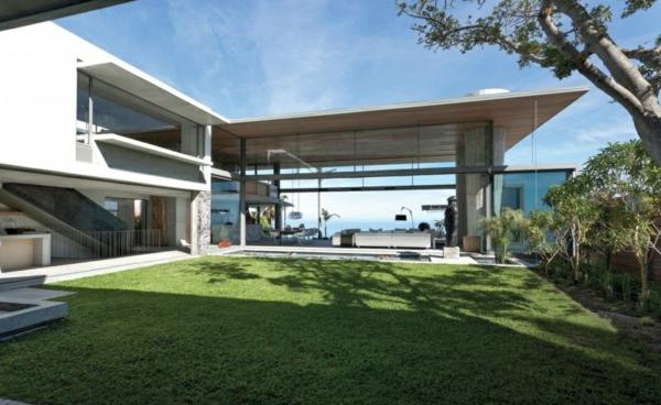 opulente moderne residenz gras hinterhof