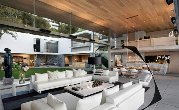 opulente moderne residenz wohnbereich sofa weiß stehlampe bowl