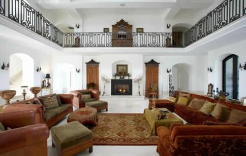 orientalisch teporientalisch teppich akzente sofas geländer obergeschoss