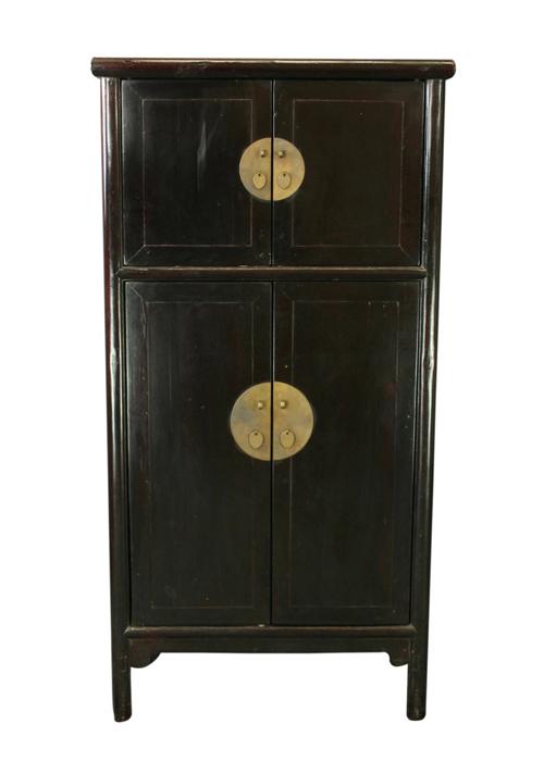 10 perfekte kleiderschr nke in schwarz stilvolle eleganz. Black Bedroom Furniture Sets. Home Design Ideas