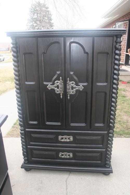 edle kleiderschränke in schwarz gotisches design