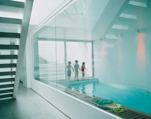 Moderne häuser mit innenpool  Private Spielplätze - 13 extrem amüsante Häuser