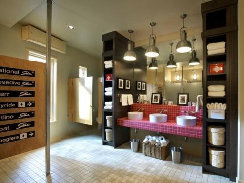 rosa badezimmer designs regale tücher pendelleuchten industriell stil