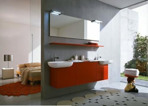 rot grau weiß trennwand badezimmer schlafzimmer waschbecken