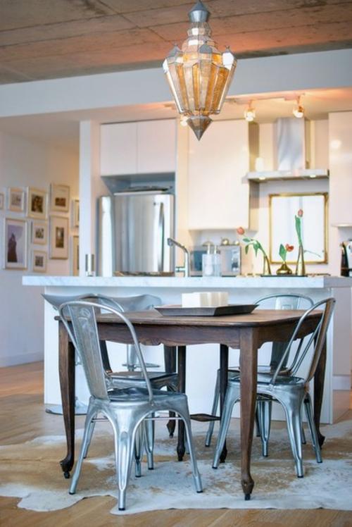 ruhiges cooles haus design küche massiver esstisch holz