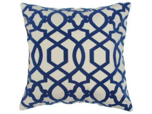 schicke deko ideen fürs wohnzimmer kissen muster weiß blau