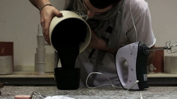 schwarze goldene lampe hängend design idee