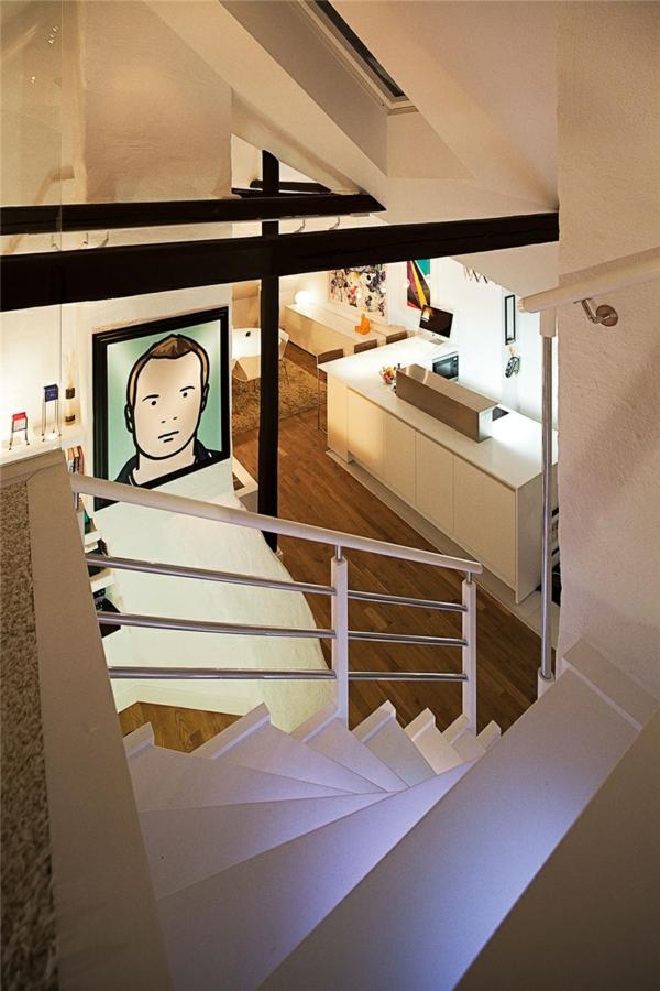 loftwohnung in schweden elegant treppe beleuchtung weiß
