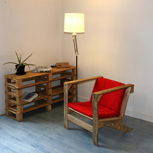 selbstgemachte Holz Möbel aus Paletten regalschrank sessel