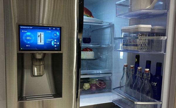 smart home technologie kühlschrank bildschirm anzeige