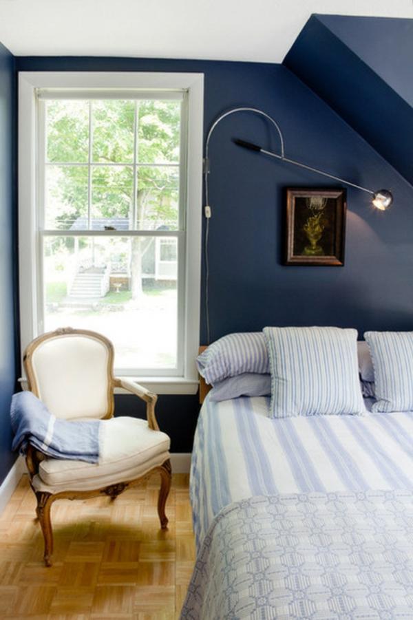 Sommer im schlafzimmer 8 kreative design ideen - Dunkelblaue wand ...