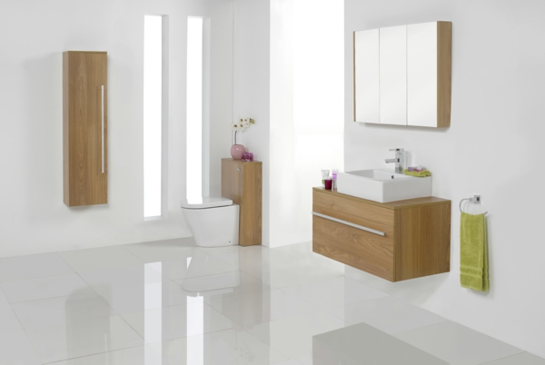 spa ausstattung im badezimmer fliesen weiß holz möbel