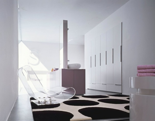 teppich schwarz rund weiß acryl stuhl modern eingebaut schrank