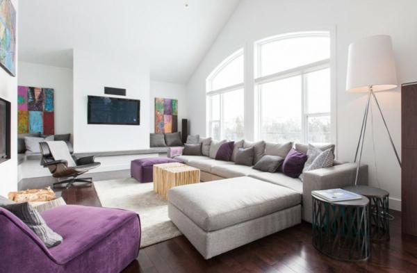 traumhafte designer wohnung weiche sitzecke mit lila akzenten