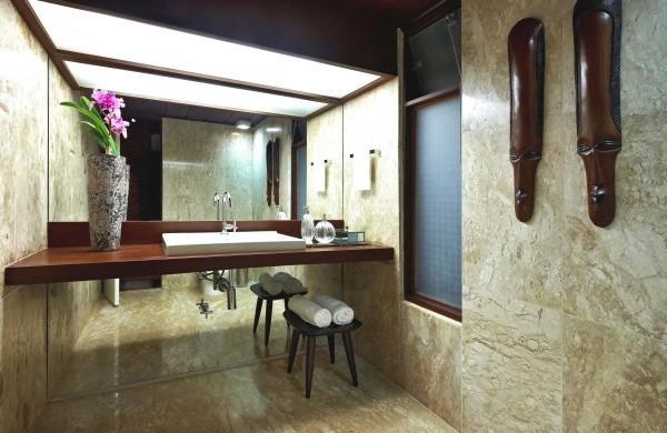Tropische badezimmer im sommerstil 12 tolle design ideen for Afrikanische weihnachtsdeko