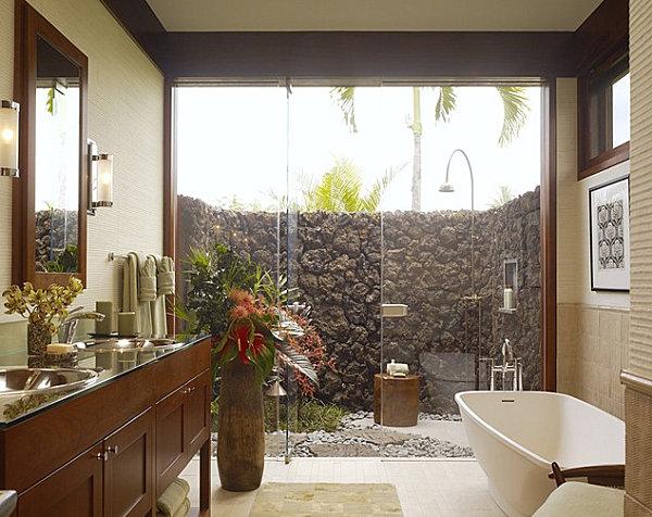 tropische badezimmer mauer aus lavasteinen hohe hölzerne vase