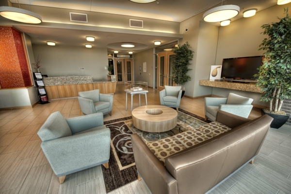 urbanen dachboden einrichtungsstil essbereich sofas sessel bequem