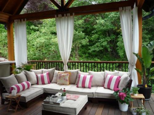 vorhänge gardinen außenbereich garten veranda kissen sofa