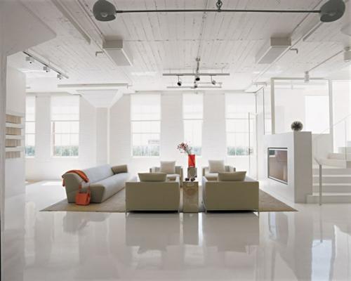 weiß glanzvoll wohnzimmer zimmerdecke treppe grau sofa olivengrün