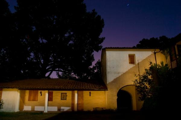 wunder der architektur steve jobs von aussen in der nacht