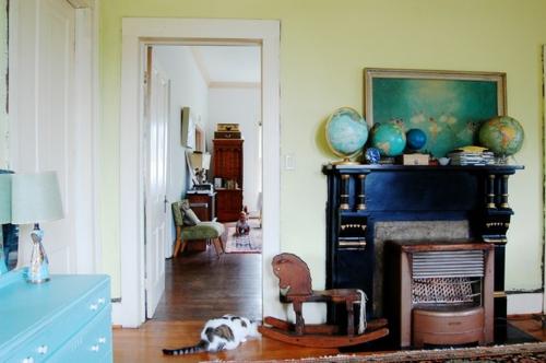 Altes Haus mit ausgefallenem Interieur frische erdkugel
