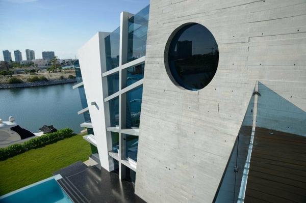 Avantgardistisches Haus design außenbereich aussicht stadt wasserstraße