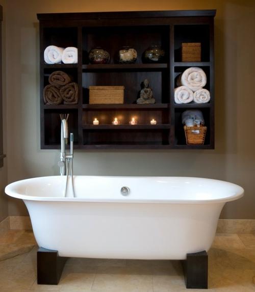 Badezimmer Designs im asiatischen Stil badewanne wand regale