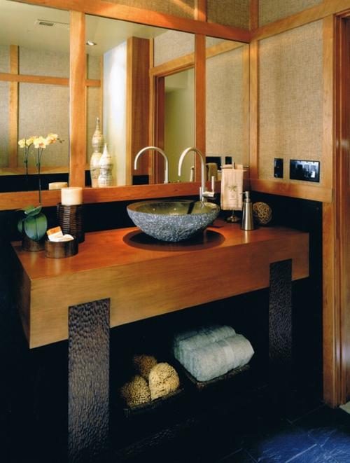 Badezimmer-Designs-im-asiatischen-Stil-fliesen-tücher-massiv-holz